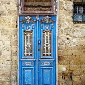 Прогрулка в Тель-Авив и Старый Яффо - Стена дверей