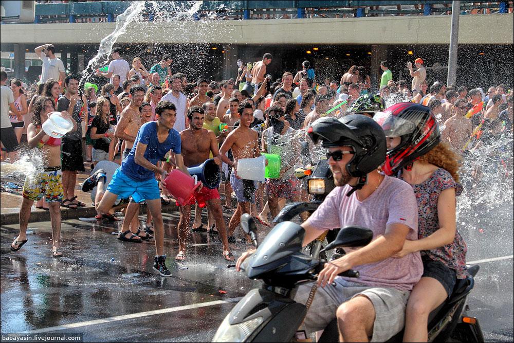 Водяная война в Тель-Авиве 2013